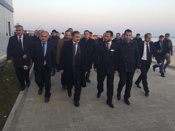 Orman ve Su İşleri Bakanı Prof. Dr. Veysel Eroğlu, Derin Deniz Deşarj Projesi Deniz Kısmı İnşaatında İncelemelerde Bulundu